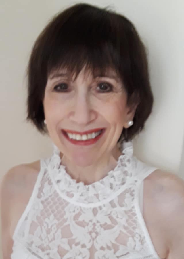 Carol Holland Lifshitz